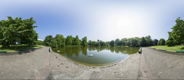 Panorama vom See im Zoopark.